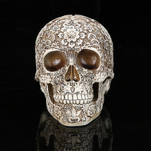 Laden Sie das Bild in den Galerie-Viewer, Style Skull Head Ornaments