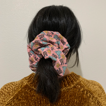 Load image into Gallery viewer, Betsey Big Boi Scrunchie