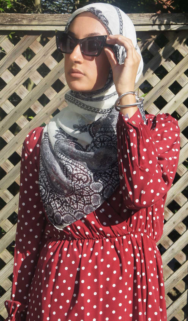 White Lace Print Hijab Scarf Model