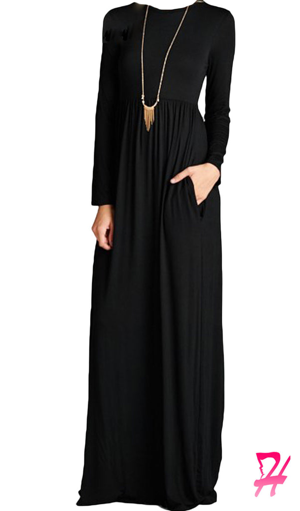 Maxi dress with pockets and sleeves