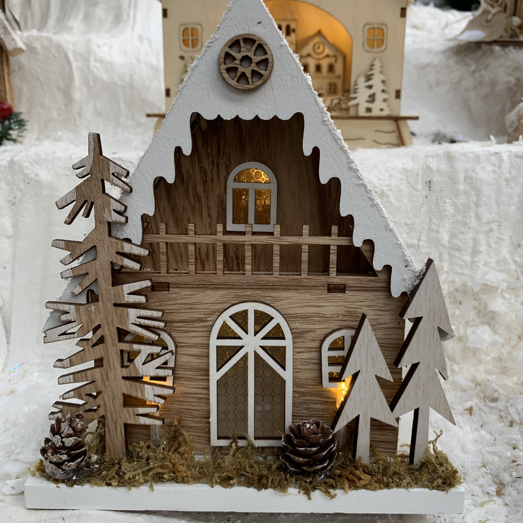 18CM WOODEN CHRISTMAS HOUSE