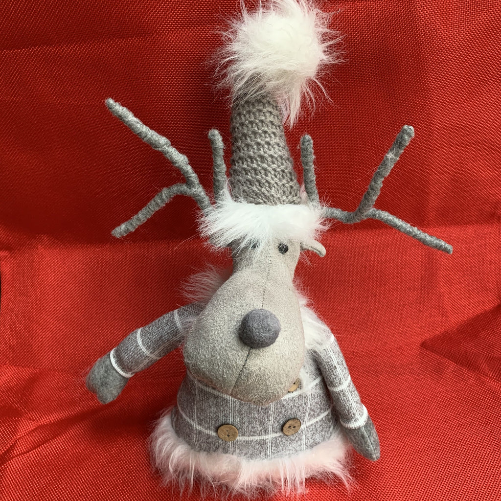 SITTING GREY REINDEER WITH FUR