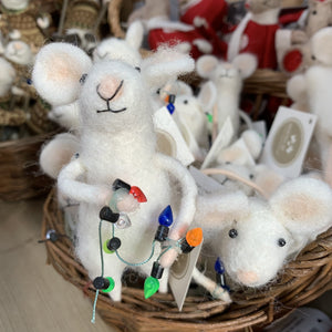 WOOL MOUSE WITH CHRISTMAS LIGHTS