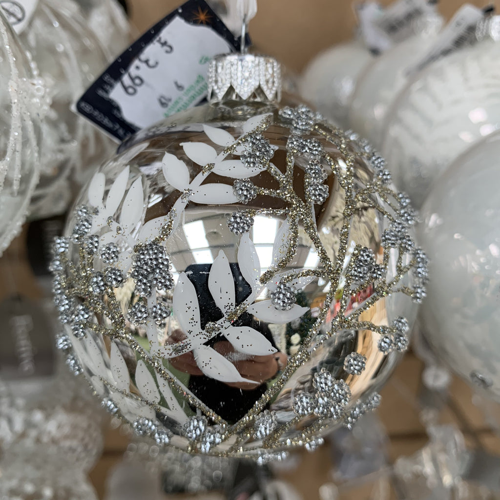 GLASS BAUBLE WITH BRANCHES LEAVES