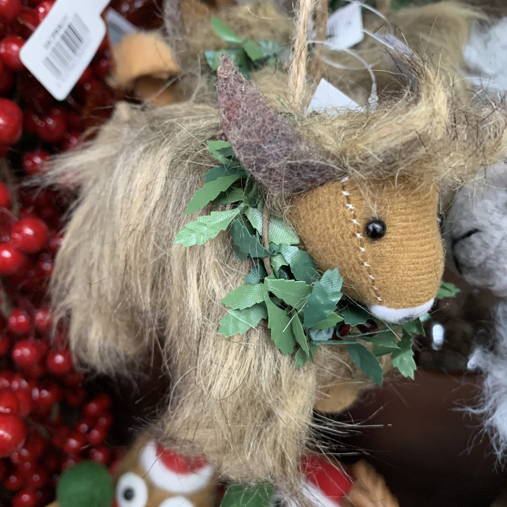 HIGHLAND COW WITH WREATH