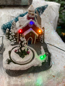 14CM BATTERY OP LIT LED VILLAGE SCENE WITH CHURCH