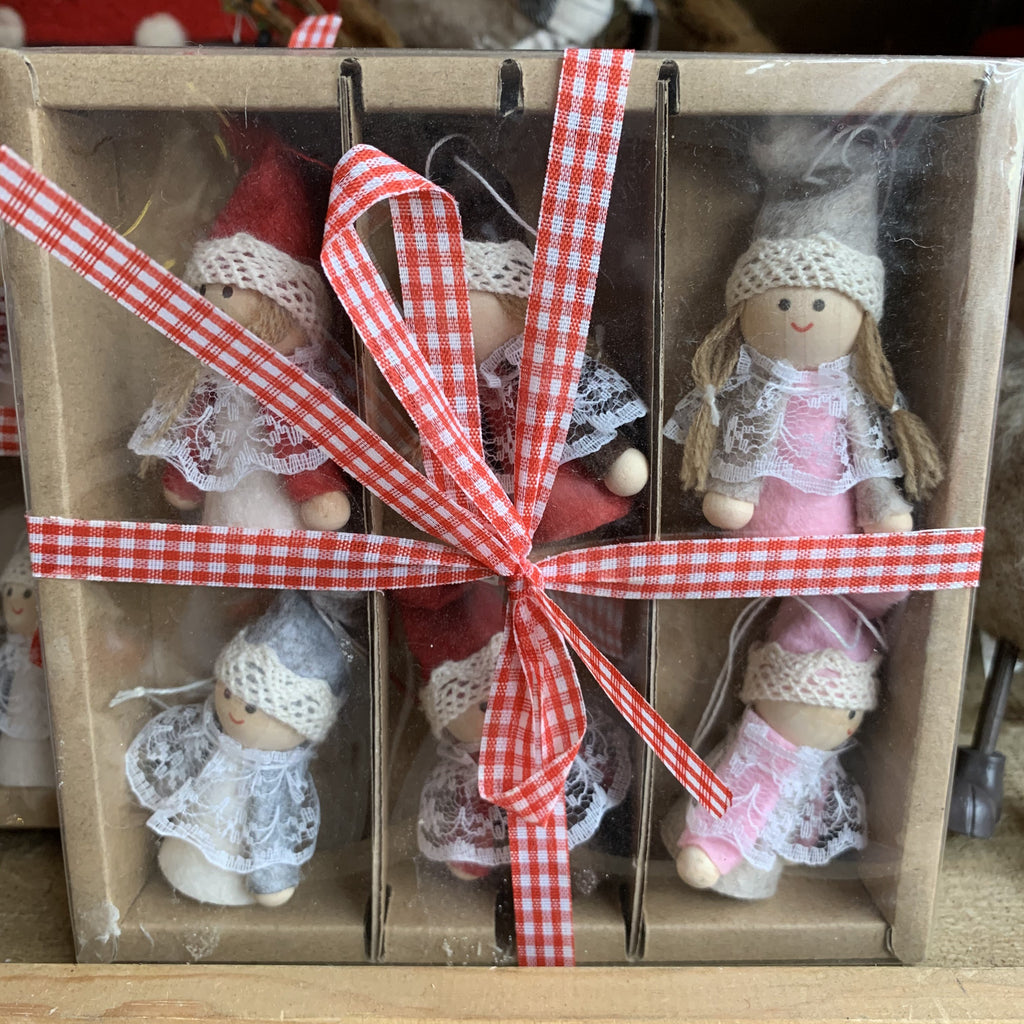BOX OF 6 DOLL HANGERS