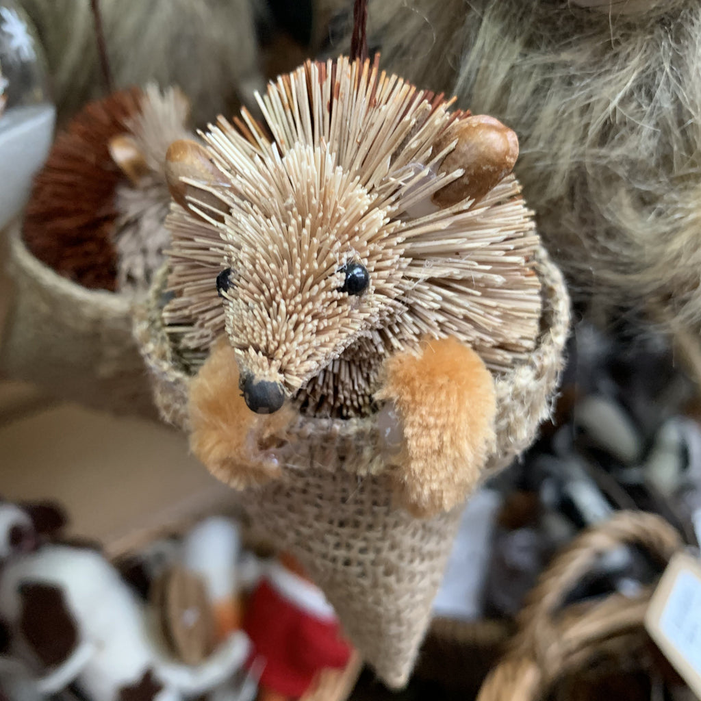 HANGING HEDGEHOG IN SACK