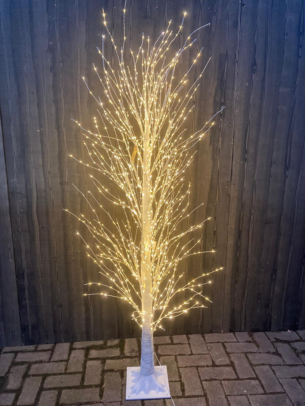 WARM WHITE WIRE TWIG TREE 1700 LEDS