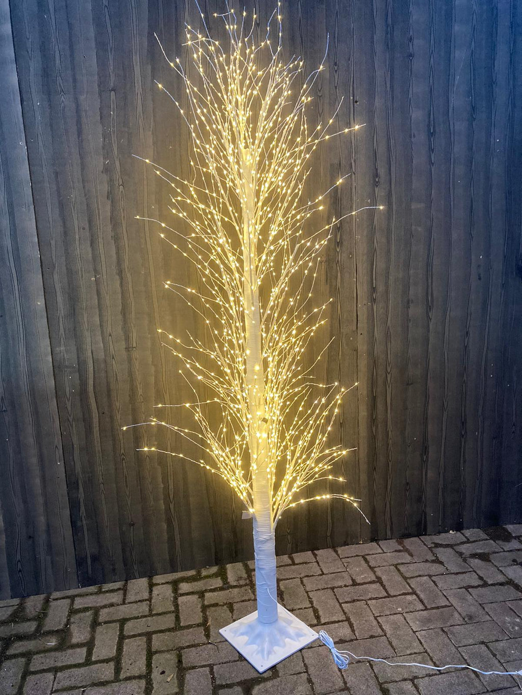 WARM WHITE WIRE TWIG TREE 1300 LEDS