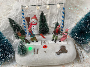TUG 'O' WAR BATTERY-OPERATED LIT WINTER SCENE