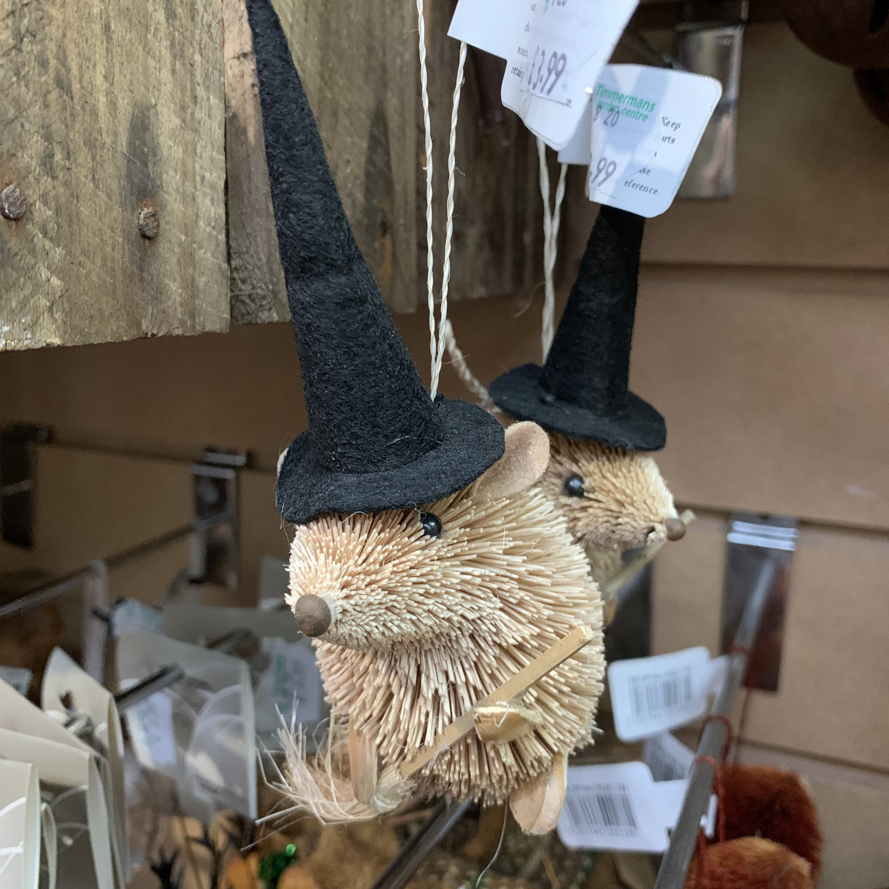 HANGING MOUSE WITCH BLACK HAT