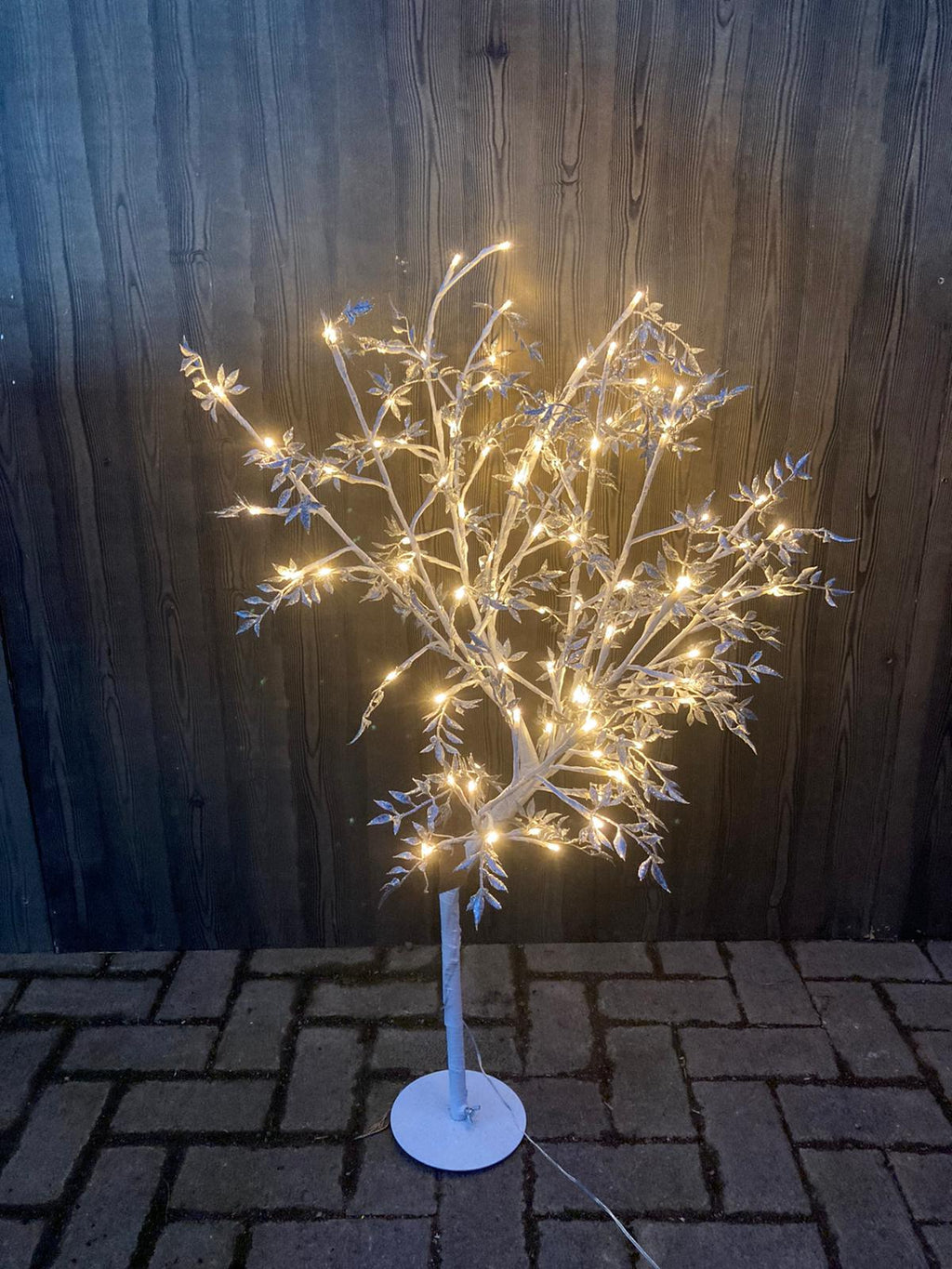 SILVER LEAF LED TREE