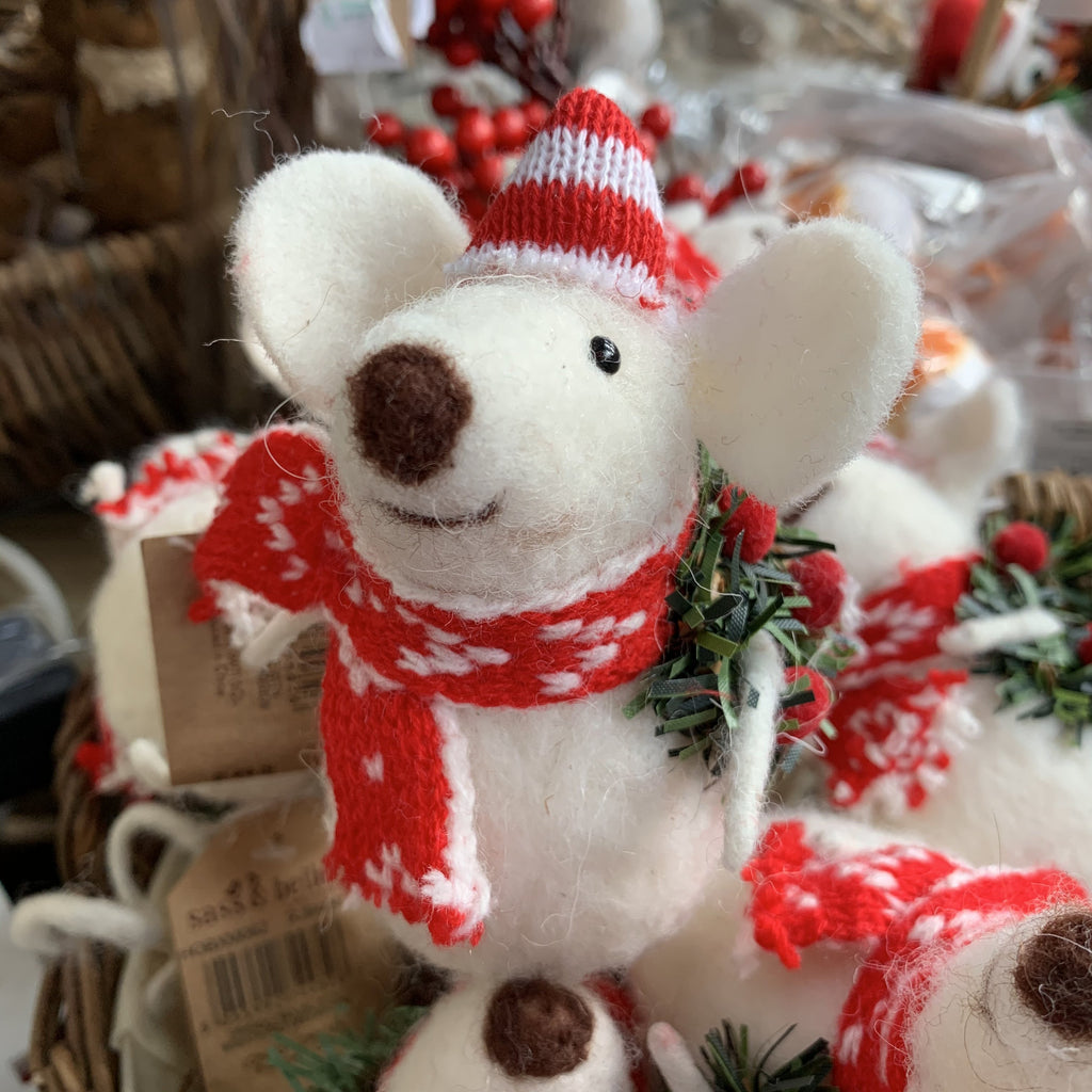 FRIENDLY MOUSE WITH WREATH FELT