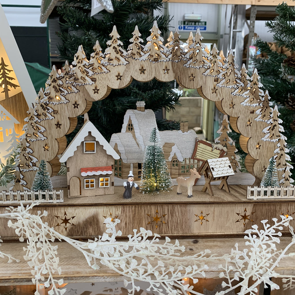 LED WOOD CHRISTMAS HOUSE SCENE