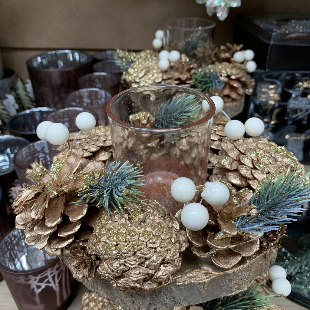 T LIGHT HOLDER PINECONE WITH BERRY
