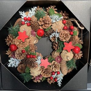 WREATH PINECONE BERRY STAR 30CM