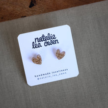Load image into Gallery viewer, Glitter gold heart studs