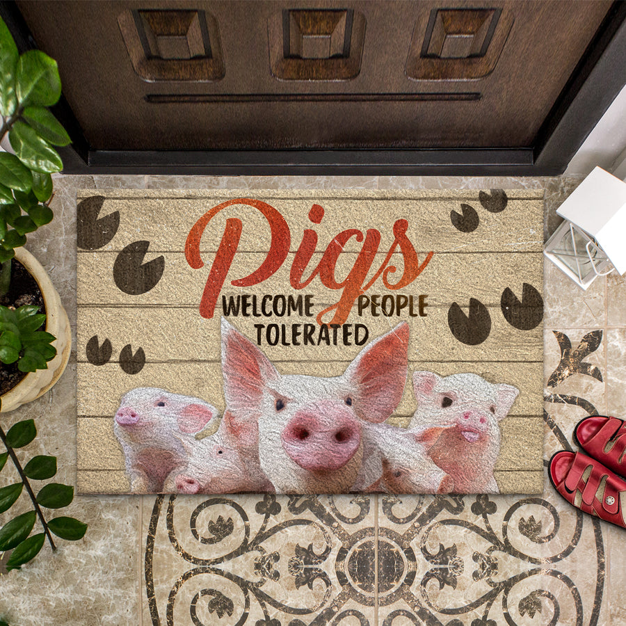 Pigs Welcome People Tolerated Doormat
