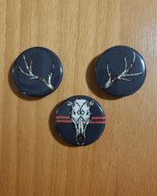 Load image into Gallery viewer, Deer Skull Pin Set