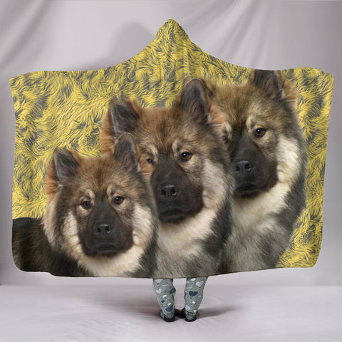 Amazing Eurasier Dog Print Hooded Blanket