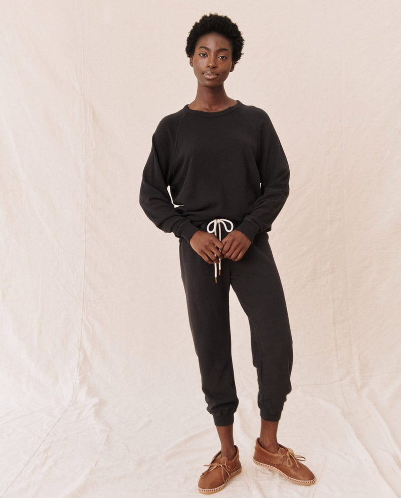 Cropped sweatpant in almost black