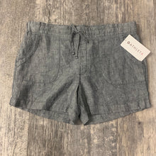 Load image into Gallery viewer, Athleta Shorts // Size 15/16