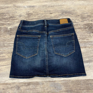American Eagle Skirt // Size 2 (26)