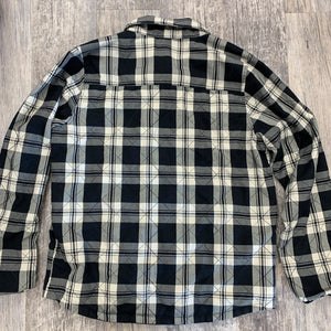 DC Men's Flannel // Size Large