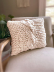 Dizzy Sheep - Berroco Macro Cable Pillow Kit _Berroco Macro Cable Pillow Kit