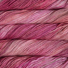 Load image into Gallery viewer, Dizzy Sheep - Malabrigo Rios _ 057 English Rose lot -----