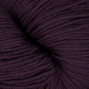 Dizzy Sheep - Plymouth Worsted Merino Superwash _ 024 Purple lot 206170