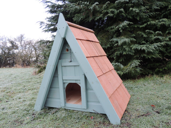 Rydal Triangular Duck House