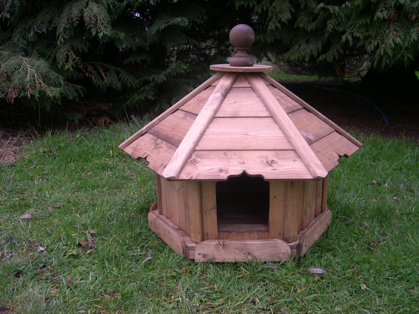 Small Hexagonal Duck House