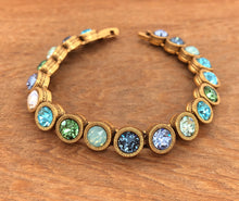 Load image into Gallery viewer, Gold Zephyr 40 Love Bracelet