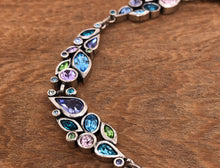 Load image into Gallery viewer, Fleur Guirlande Necklace in Waterlily