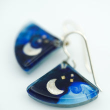 Load image into Gallery viewer, Blue Moon Fan Earrings