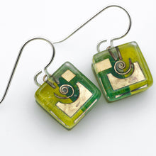 Load image into Gallery viewer, Green Snail Cube Earrings