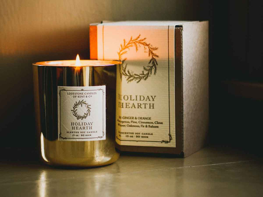 Holiday Hearth | 13 oz., 90 hour | Gold Glass