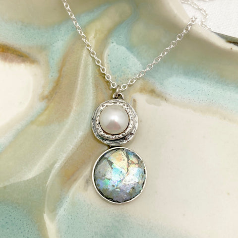 Roman Glass Patina Pearl Round Necklace