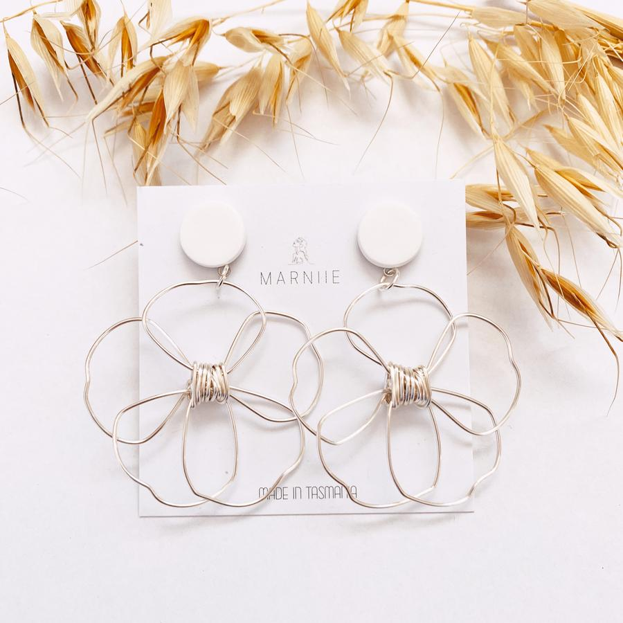 Daisy Pair Flower Child Earrings - White & Silver