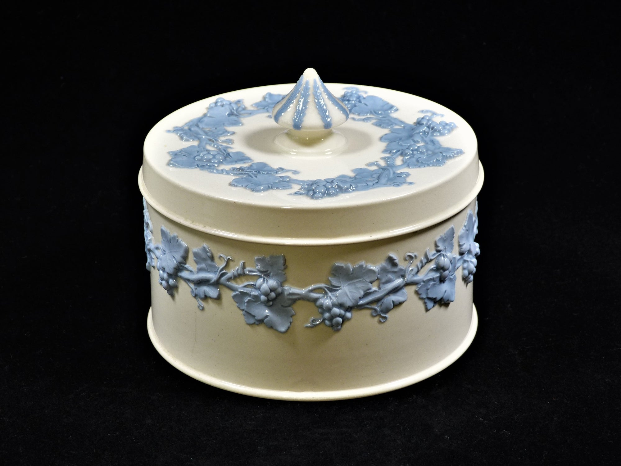 Embossed Queen's Ware Trinket Box, Wedgwood, Ornamental Dressing Table Box
