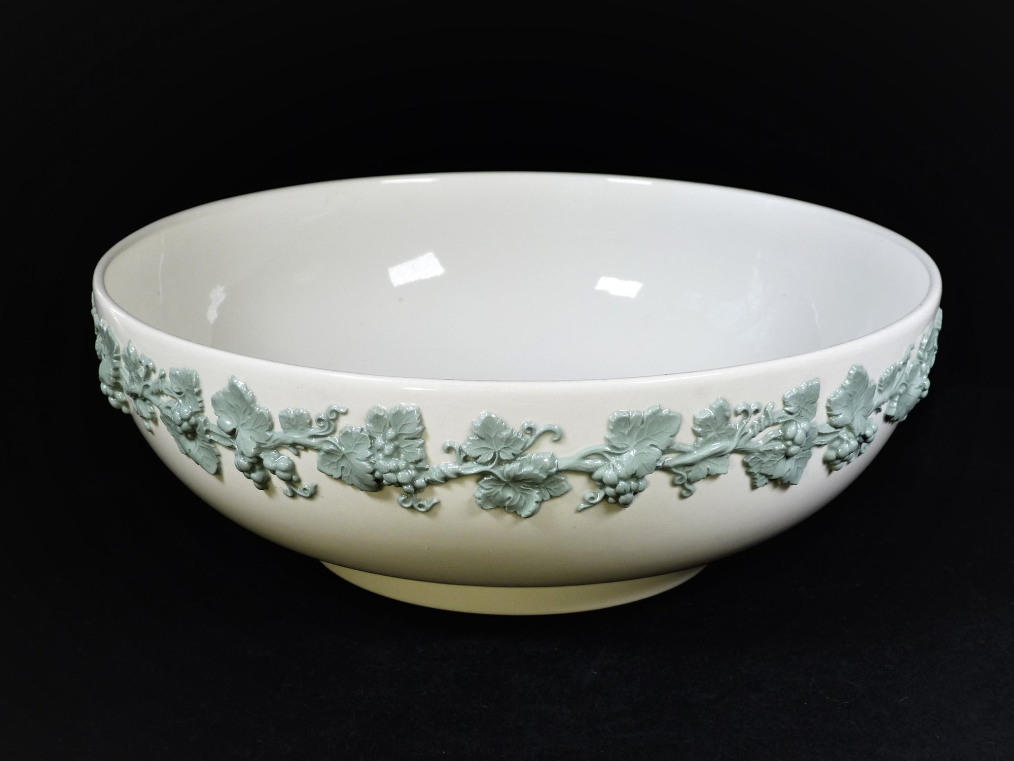 Wedgwood Queen's Ware Bowl, Cream and Celadon Green Bowl