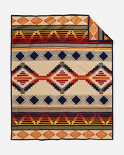 Load image into Gallery viewer, Cedar Mountain Robe