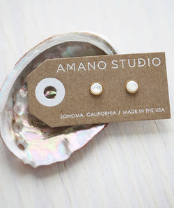 6mm Mother of Pearl Studs