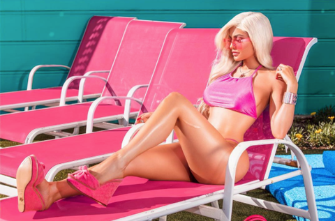 kylie jenner, blog, barbie, pink, sun lounger