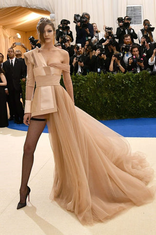 gigi hadid, model, tommy hilfiger, dress, nude, met gala, 2017