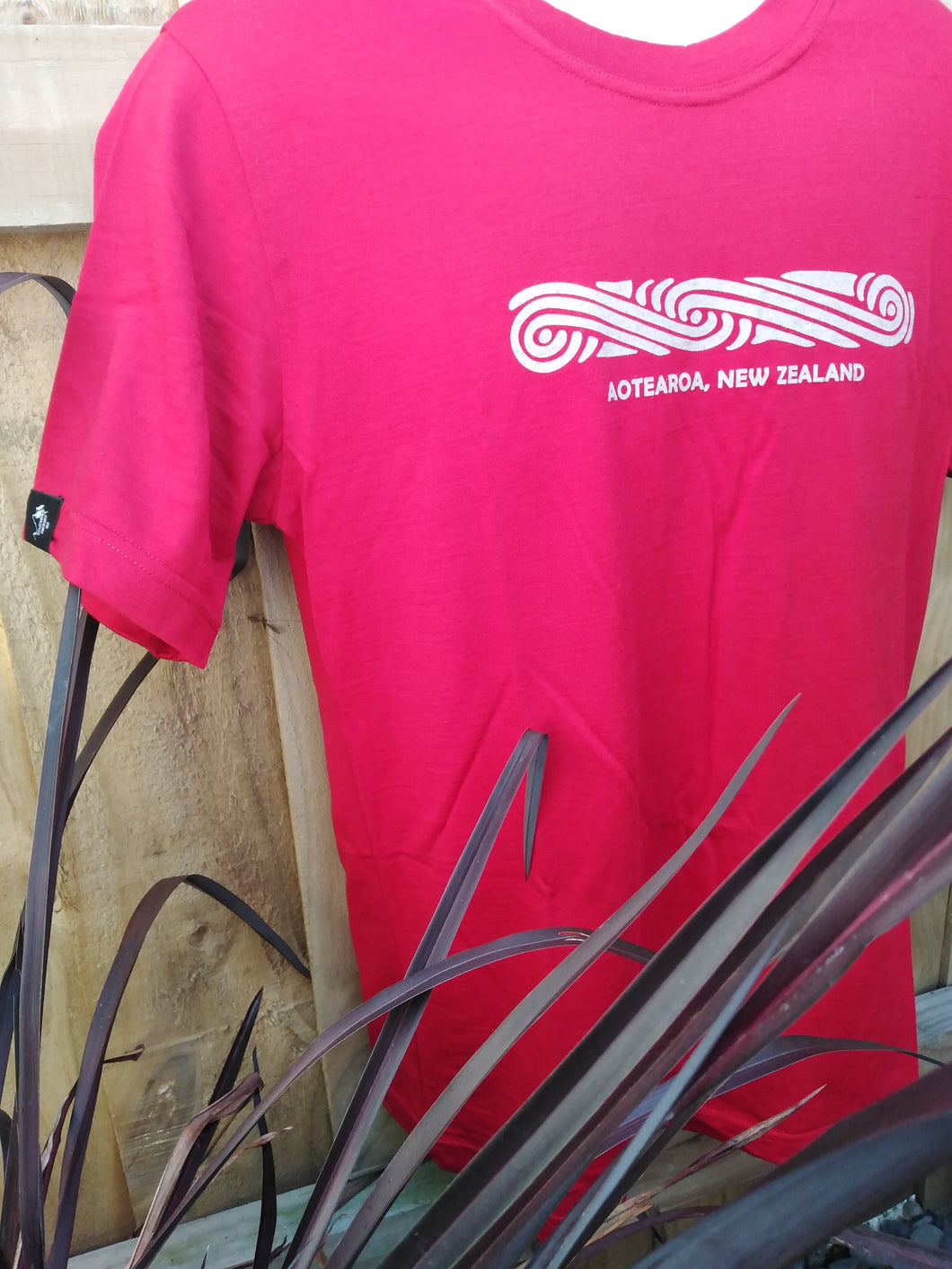 T Shirt. 100% Merino Wool. New Zealand Made.