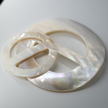 Load image into Gallery viewer, (1 pieces) River Shell Buckle