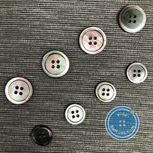 Load image into Gallery viewer, (3 pieces set) 4 hole Blacklip Mother of Pearl shell Button